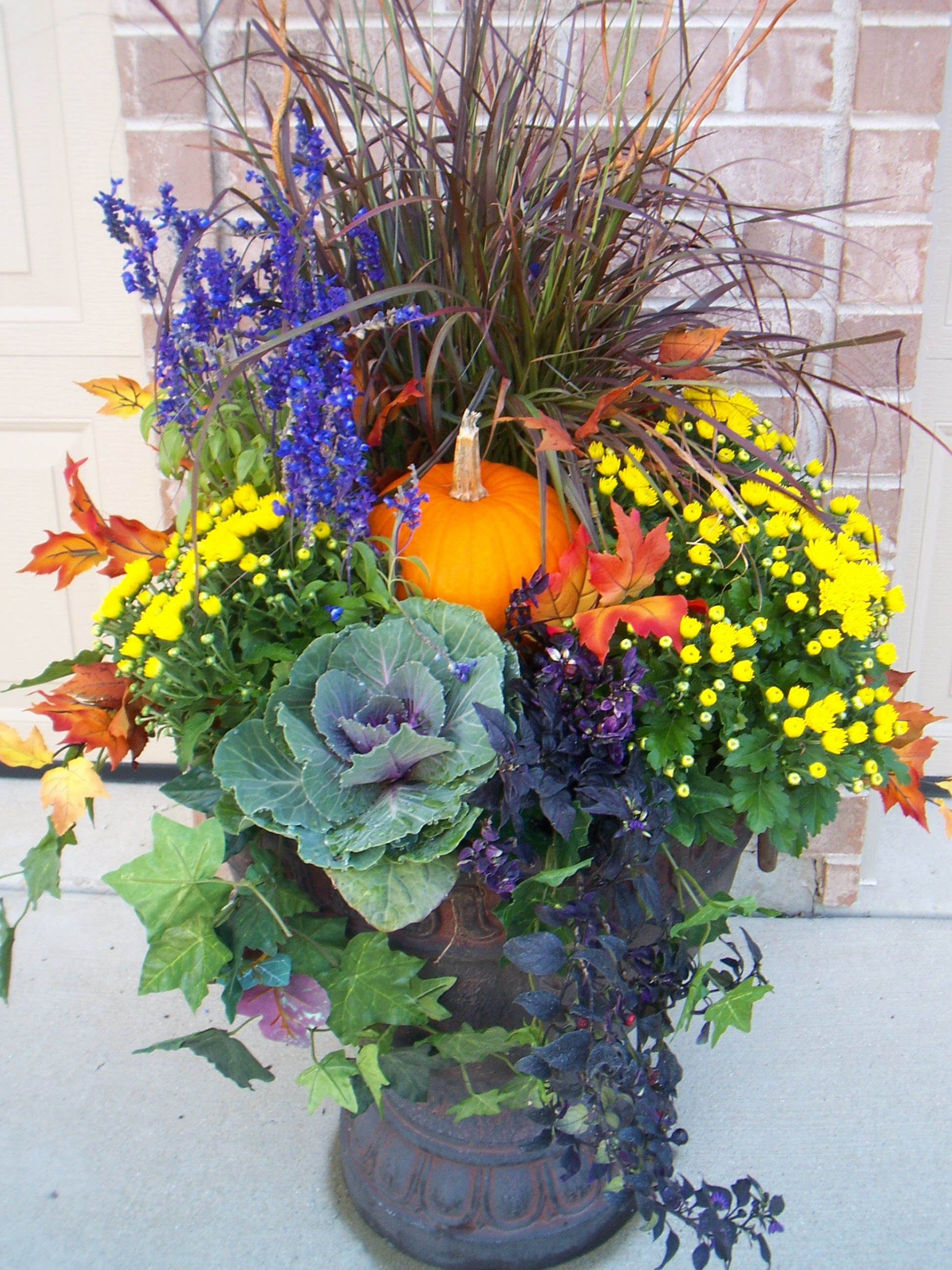 Containereyes Cabbage Mums Fountain Grass Ivy Ornamental Trailing Peppers Dried Oak Leaves Fall Flower Pots Fall Container Gardens Fall Pots