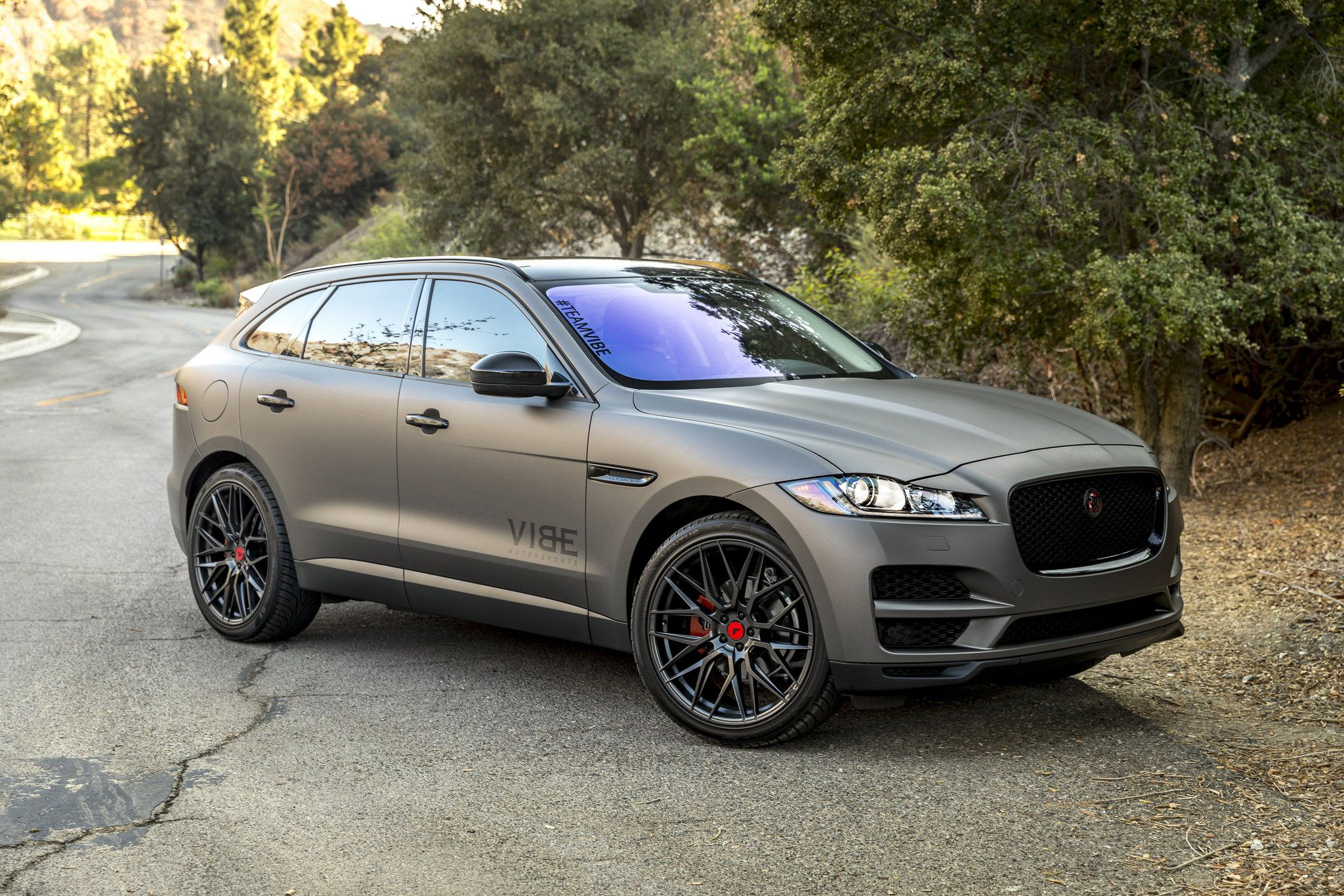 Jaguar F Pace With Vorsteiner V Ff 107 Carbon Graphite R22 Jaguar Suv Jaguar Jaguar Car