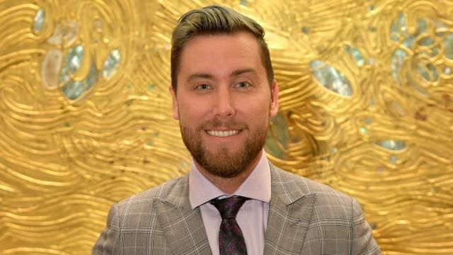 Lance Bass 'Heartbroken' After Getting Outbid on Iconic 'Brady Bunch' House #bradybunchhouse