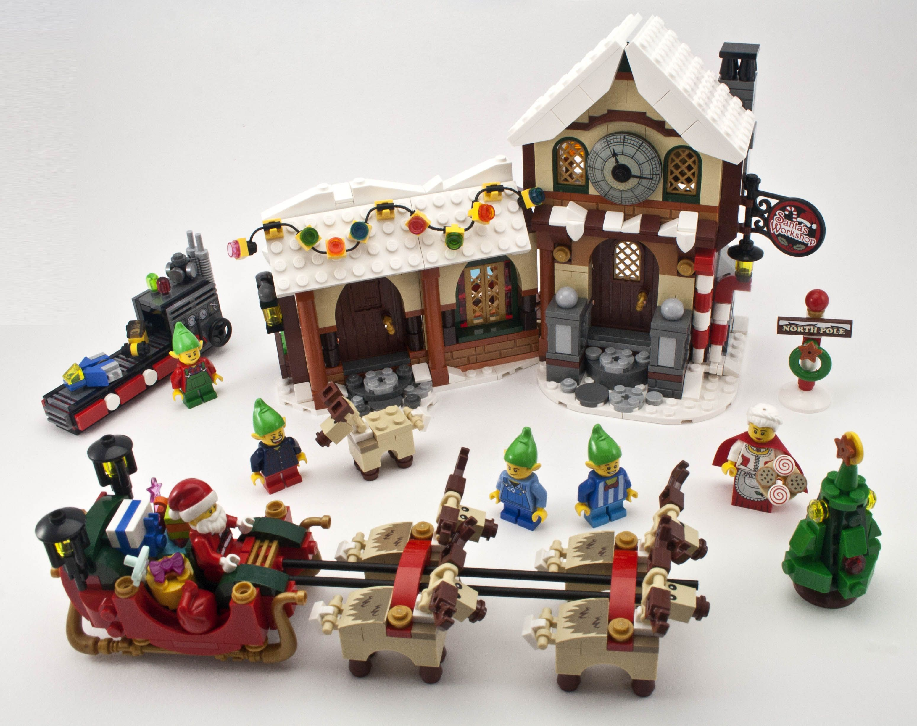 Review 10245 Santa's Santas Lego