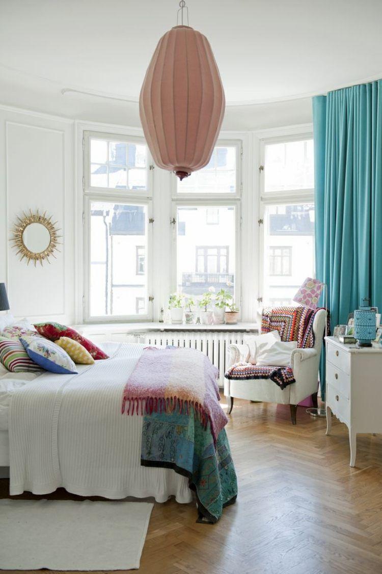 wohntextilien im weißen schlafzimmer für boho chic | interior, Schlafzimmer entwurf