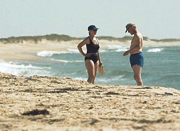 President Bill Clinton And First Lady Hillary Walk The Beach On Martha S Vineyard Where Family Is Vacationing 26 August