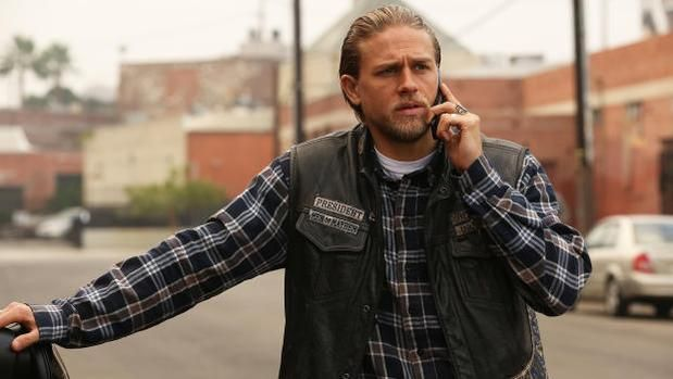 Hollywoodtake On Twitter Sons Of Anarchy Sons Of Anarchy Finale Charlie Hunnam