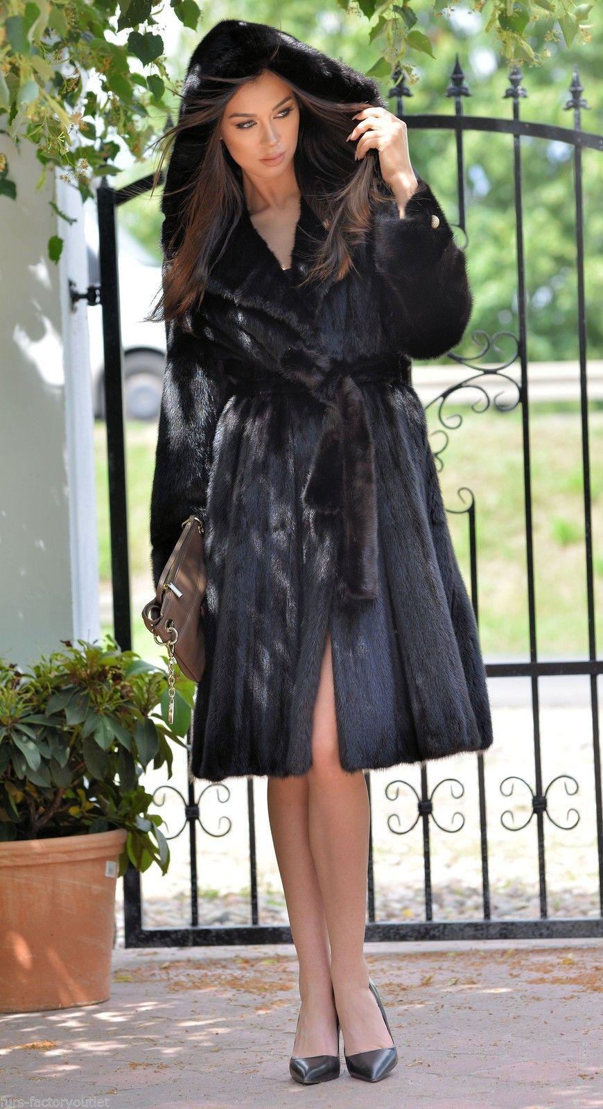 Pin By Robert Vitaglione On Fur Site 94 Fur Street Style Fur Coats Women Fashion