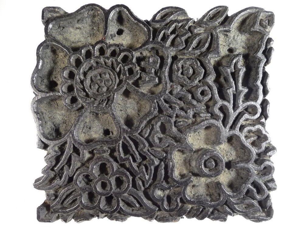 ancien tampon a batik tissu en bois sculpte motif de fleurs inde texture pinterest. Black Bedroom Furniture Sets. Home Design Ideas