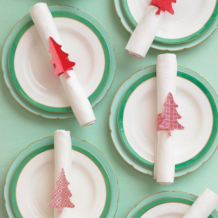 Tischdeko weihnachten basteln mit kindern  kreative Serviettenringe mit Weihnachtsbäumen selber machen ...