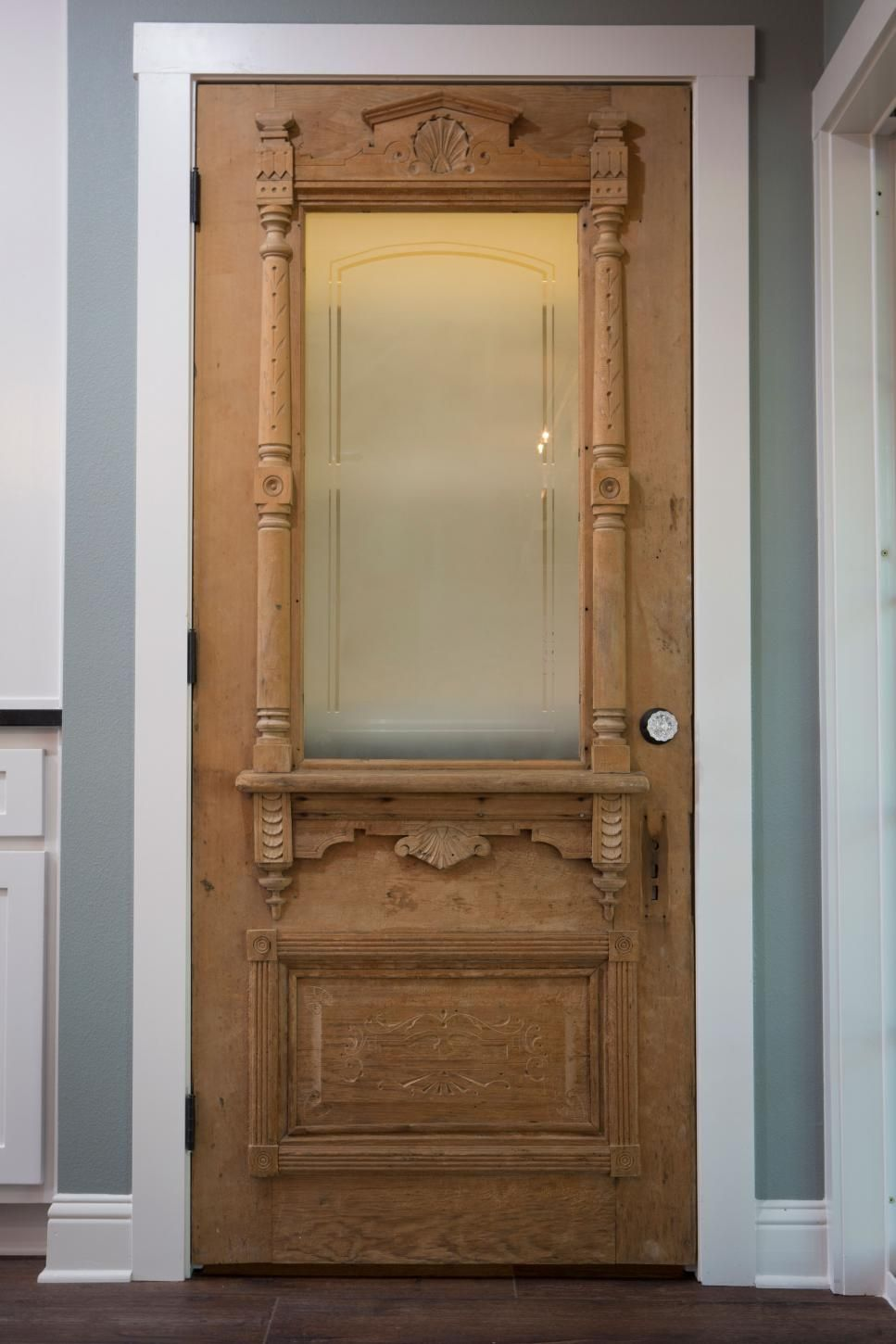 Fixer Upper A Son S Generosity Expands The Scope Of A Reno Door Design Antique Doors Vintage Doors