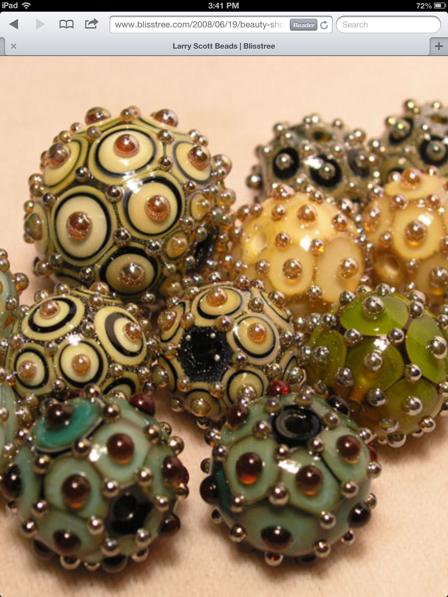 I think these must be Larry Scott beads. | Beads | Pinterest ...