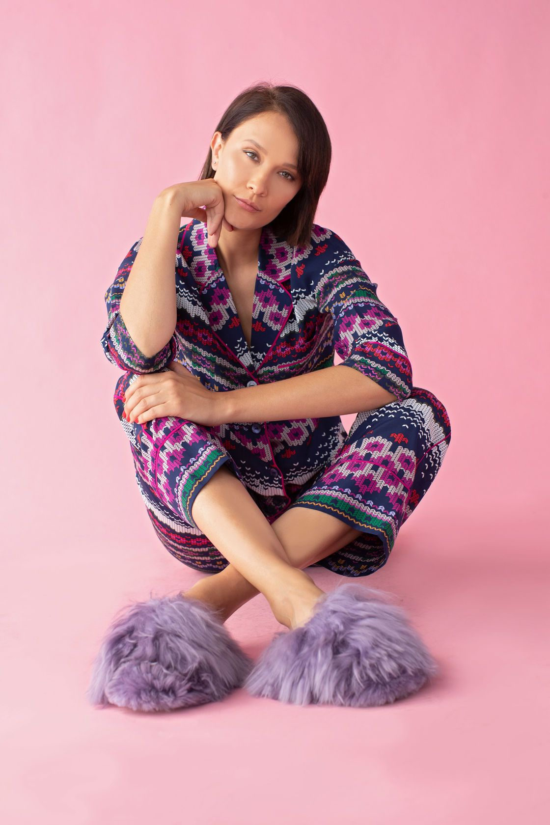 ALPACA SURI SLIPPER Alpaca slippers, Fashion, Furry slippers