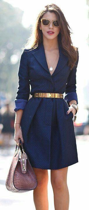 Vestido formal azul con dorado
