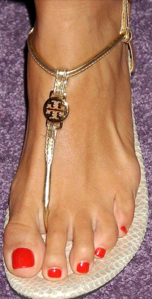 Angie harmon feet