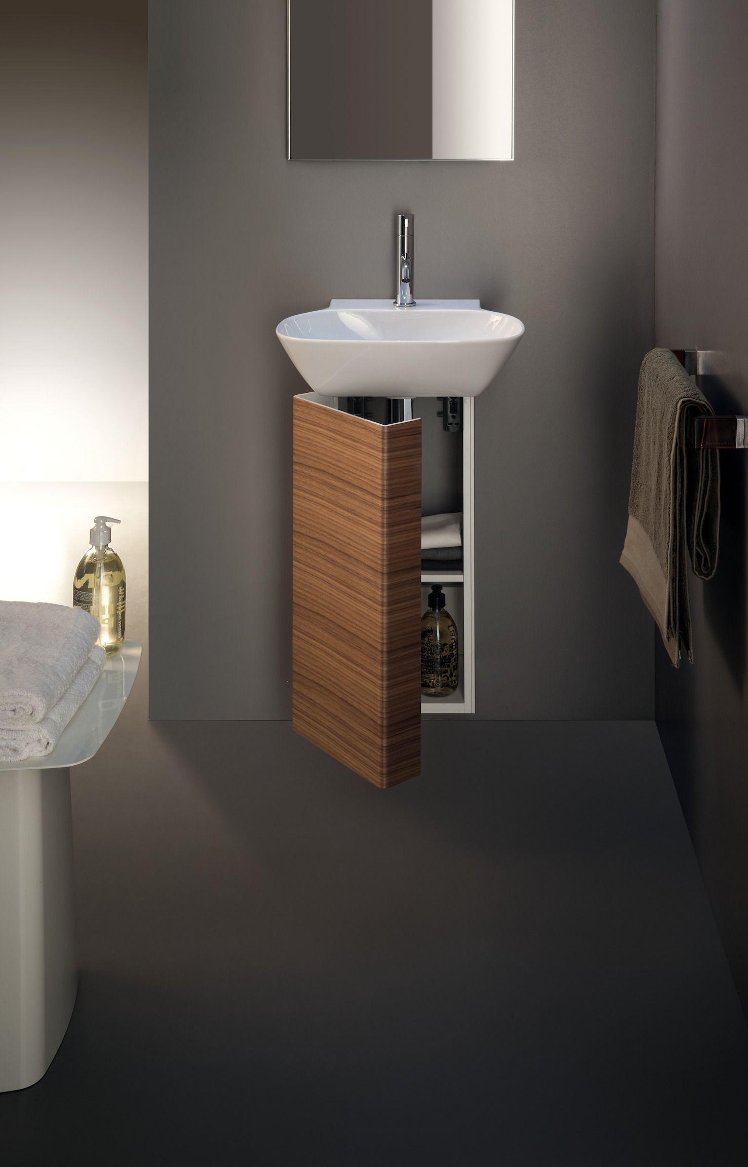 In Diesem Bild Sehen Sie Die Elegante Losung Fur Gaste Bader Von Laufen Serie Ino Laufen Ino Mini Waschbecken Gaste Wc Bad Inspiration Kleine Toilette Design