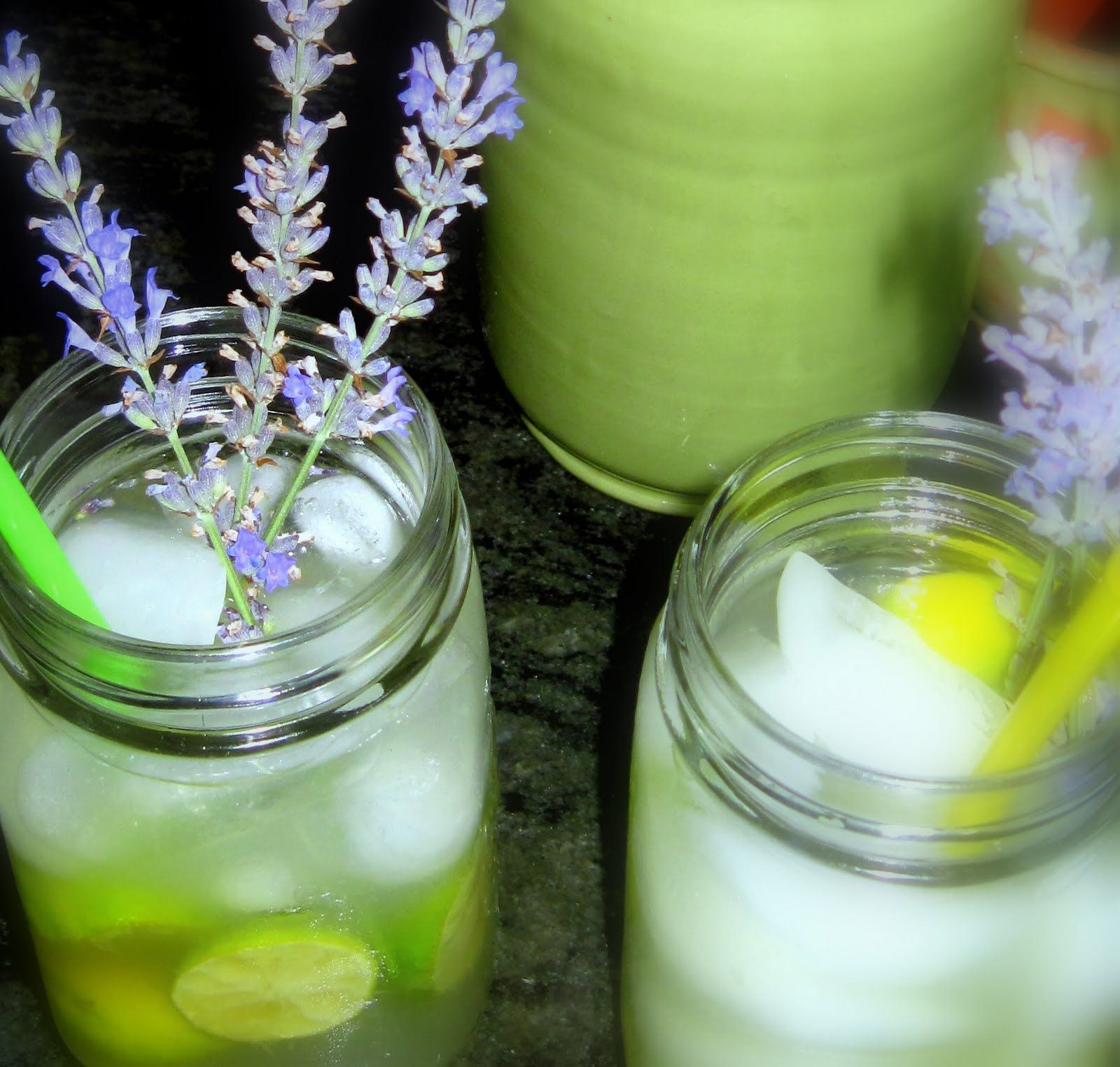 how to make a vodka gimlet with fresh lime juice