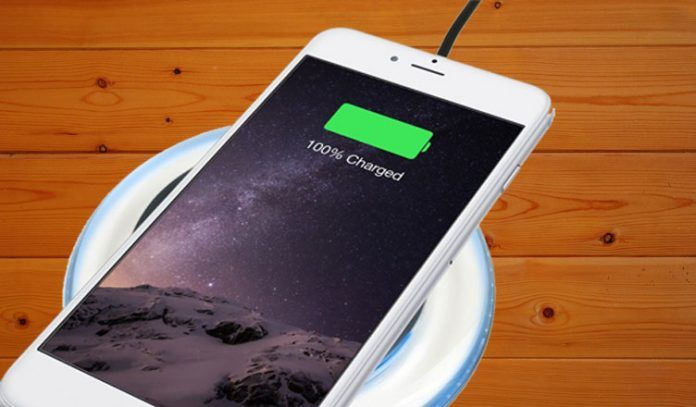 outlet store 78d1f 8f9be How to Charge iPhone 7 or iPhone 7 Plus Using Wireless Charging Pad ...