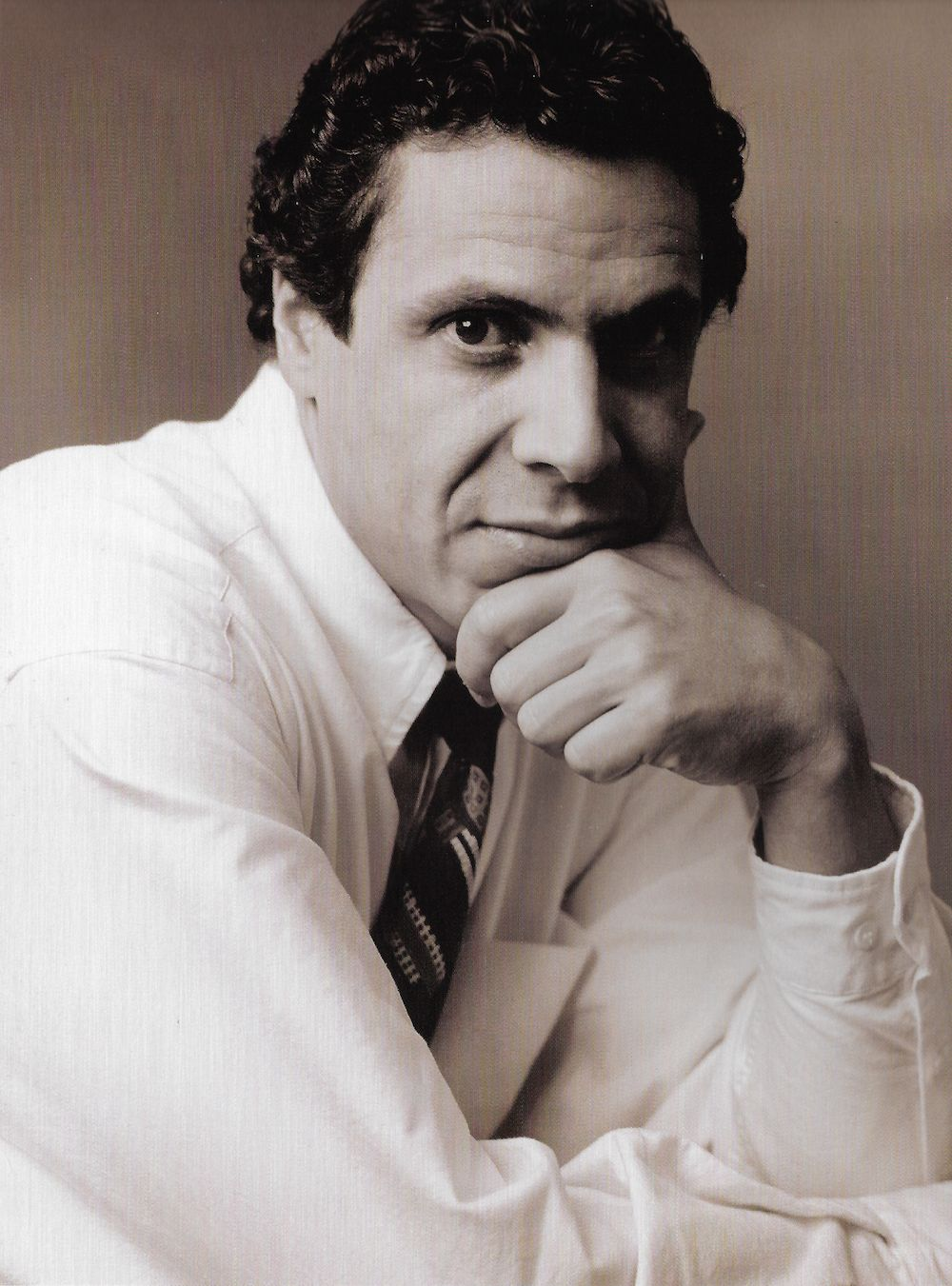 Andrew Cuomo Photographed By Annie Leibovitz In 1992 In 2020 Andrew Cuomo Annie Leibovitz Historical Figures