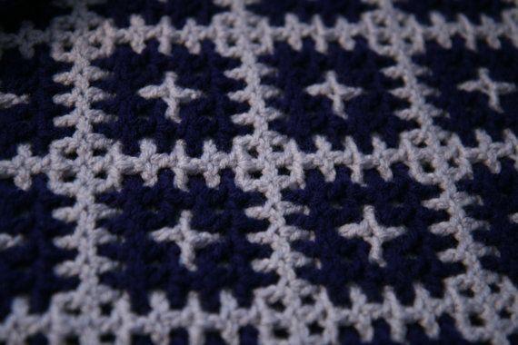 Reversible crochet afghan | Ganchillos afganos, Azul marino y La abuela