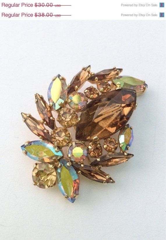 MORE THAN 50% OFF EARLY SUMMER MADNESS     Juliana Topaz Rhinestone Brooch 1960s Vintage Jewelry  Beautiful brooch with a mixture of stones in