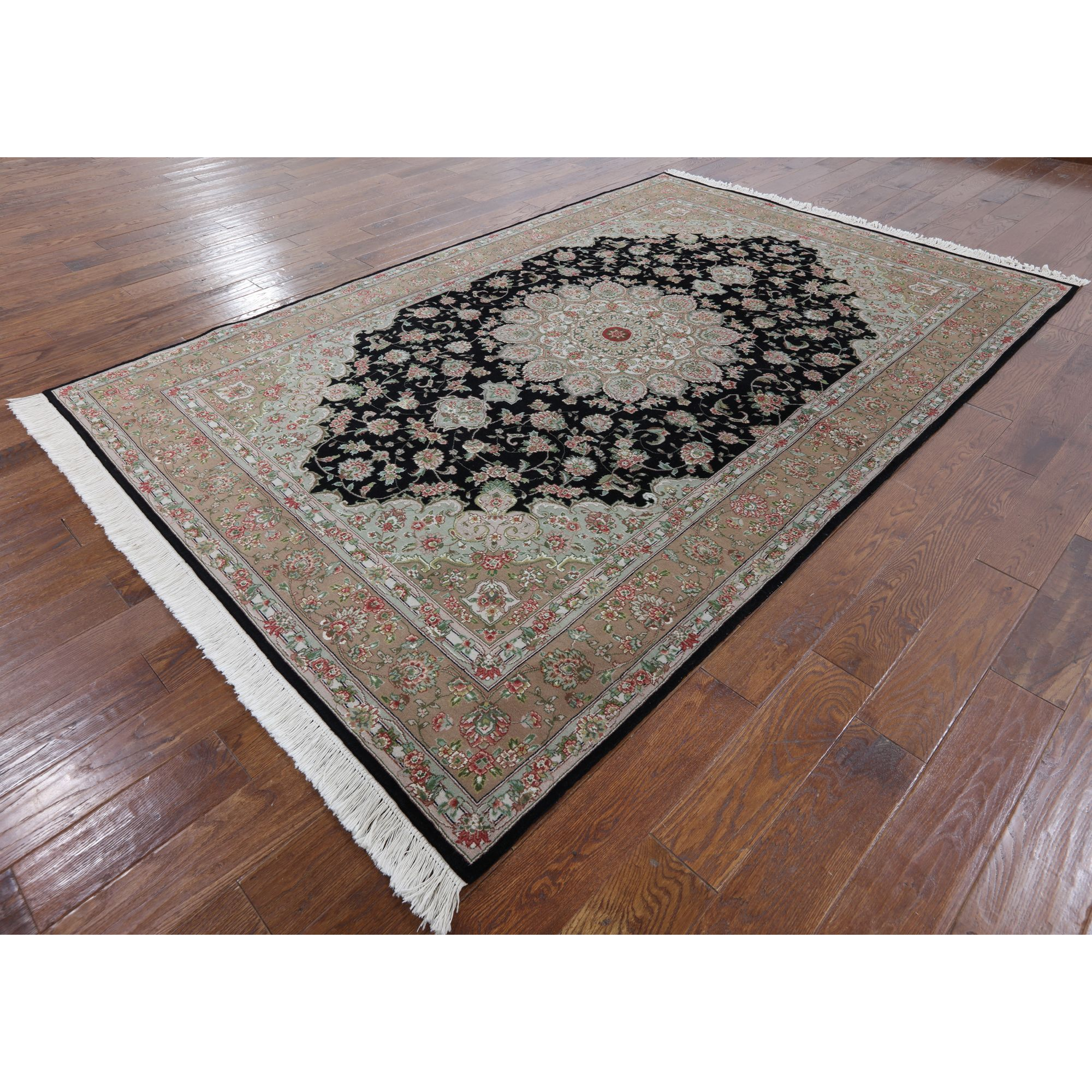 Manhattan Traditional Tabriz Hand-knotted Rug