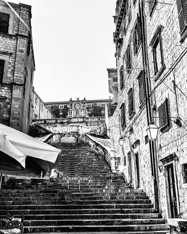 If these stairs could talk ... #history #blackandwhite #blackandwhitephoto #blackandwhitephotography #black_and_white_photography #europe #travel #travels #travelgram #travelphotography #sonyphoto #sonyphotography #sonyphotogallery #sonydscf828 #sonyphotographer #instagram #world #photography #photographer