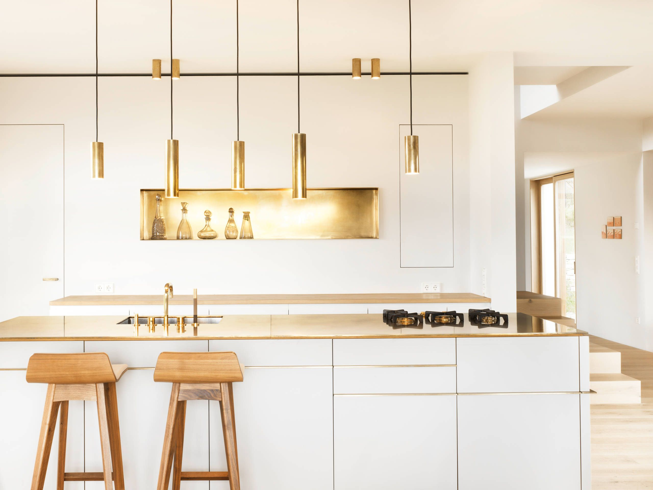 What\'s Hot: 8 Beautiful Gold Brass and Hammered Metal Kitchens ...