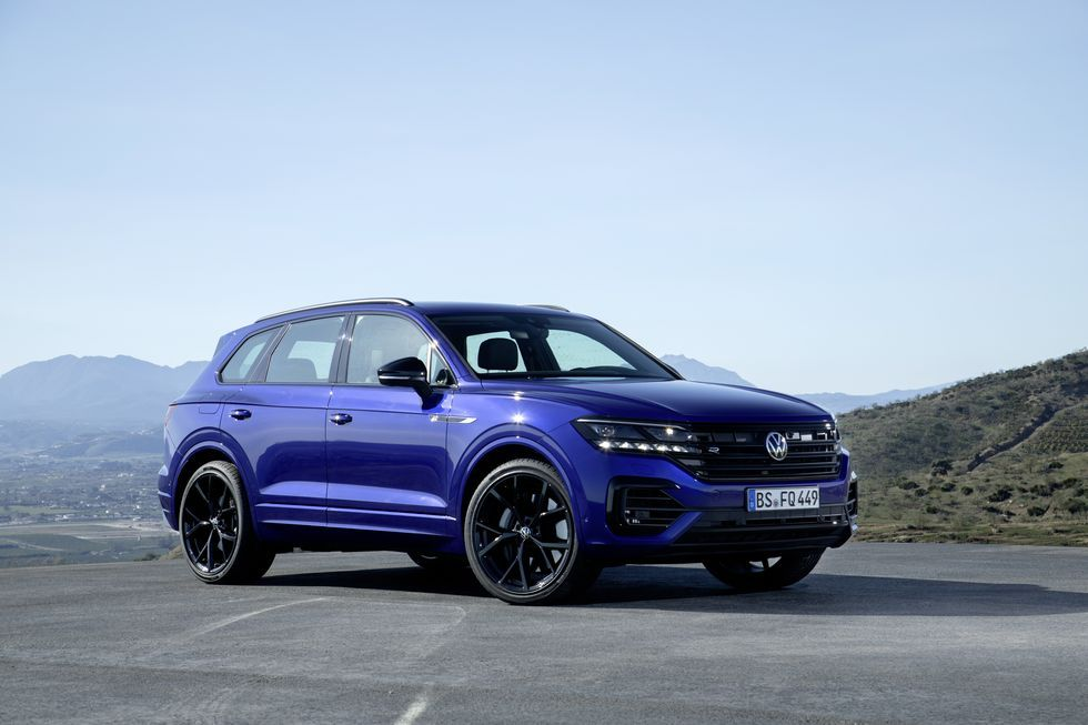 Vw S Touareg Suv Now Has A 456 Hp Hybrid R Variant In 2020 Volkswagen Touareg Volkswagen Suv