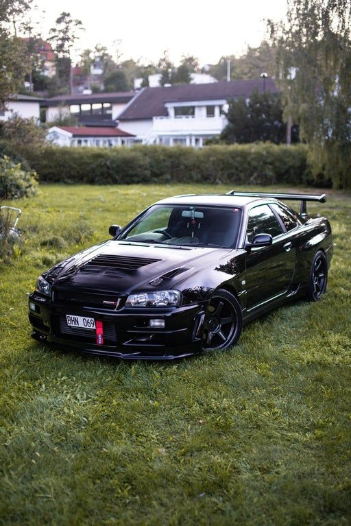 My Nissan Skyline R34, On the lawn just casually taking a photo session
