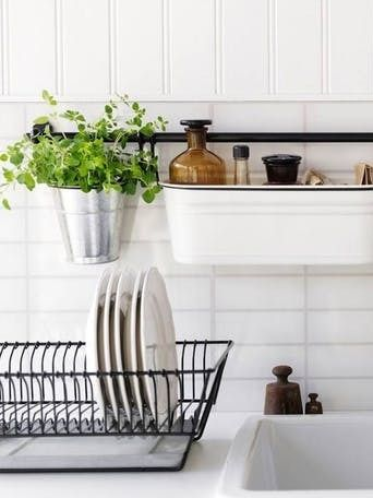 No Counter Space? Solutions for a Clean and Clutter-Free Kitchen