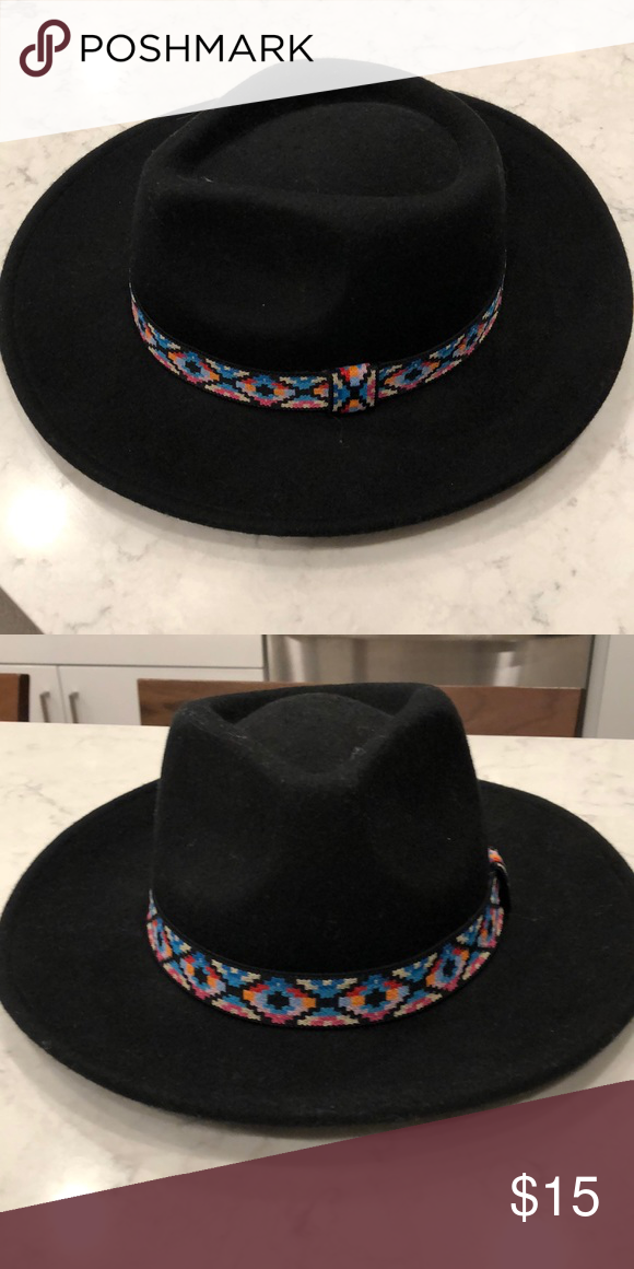 09e24e6a28547 Felt Hat with Southwestern print band Never worn! Bought at TJ Maxx for   19.99 and