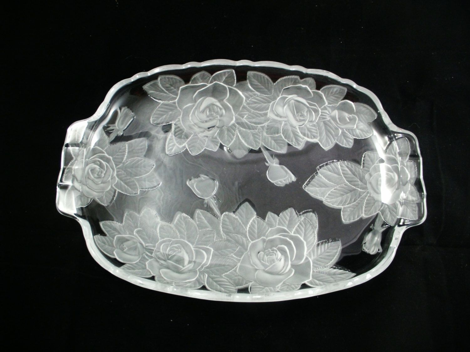 Mikasa Studio Nova Winter Rose Frosted Heavy Glass Serving Tray