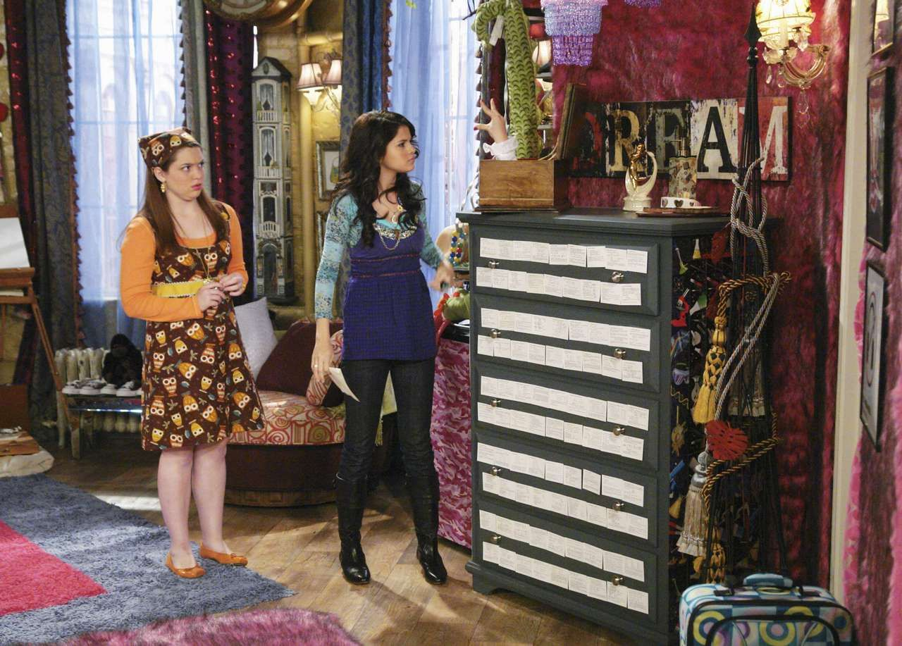 Alex Russo Bedroom Wizards Of Waverly Place Set Celebrity