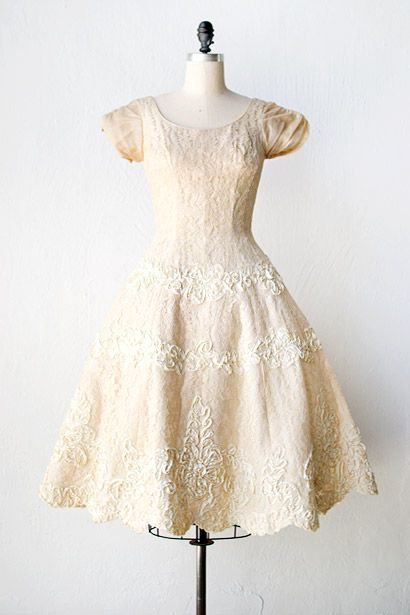 vintage 1950s cream applique lace wedding dress // | 40\'s & 50\'s ...
