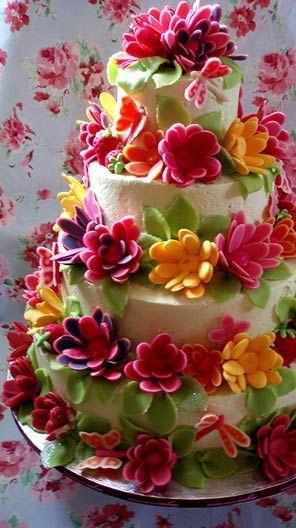 23 Delectable Floral Cakes Floral Art Photo Gateau Anniversaire