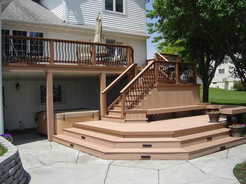 Multi level decks timbertech twinfinish multi level deck for Decks and patios design ideas