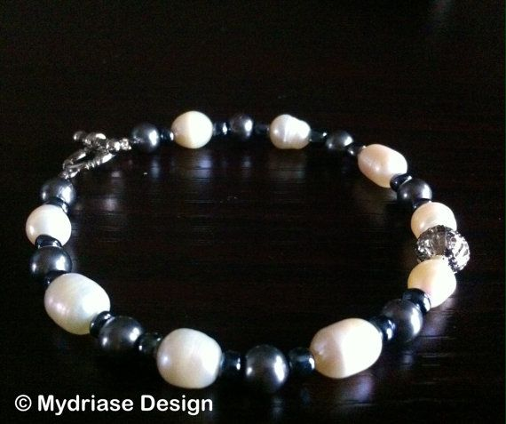 Bracelet fait à la main, avec vrai perle d'eau douce.
