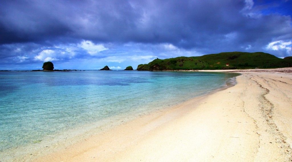 Wisata Pantai Kuta Lombok Tempat Wisata Di Lombok Pantai