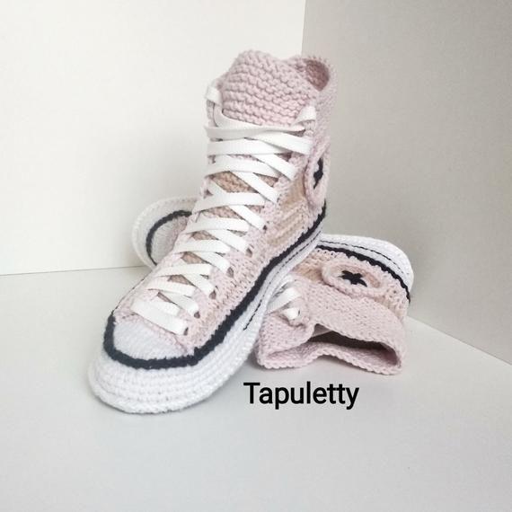 camisa Mancha atravesar  Converse Knitted Pink Women's Slippers   Etsy   Converse boots, Crochet  converse, House slippers crochet