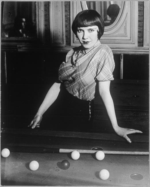 Where classic lesbians pool table