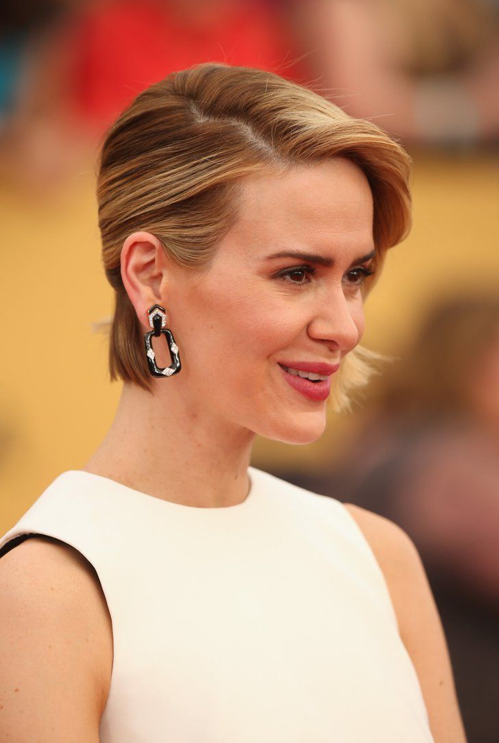 Pin for Later: The Jewels at the SAG Awards Will Sprinkle Some Sparkle on Your Day  Sarah Paulson's ovular David Webb earrings were the focal point of her black and white look.