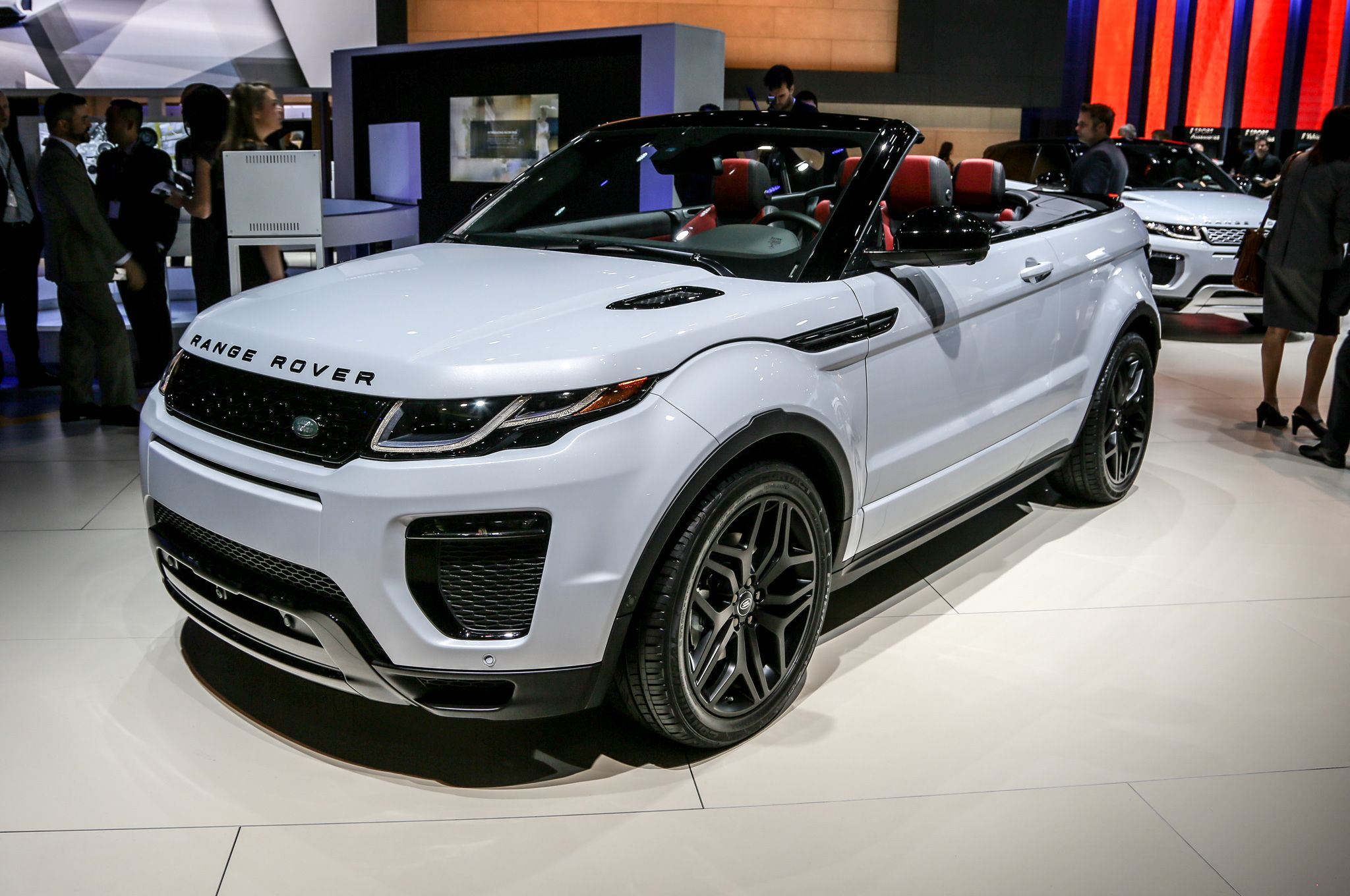 The 2017 Range Rover Evoque Convertible Made An Earance At Los Angeles Auto Show