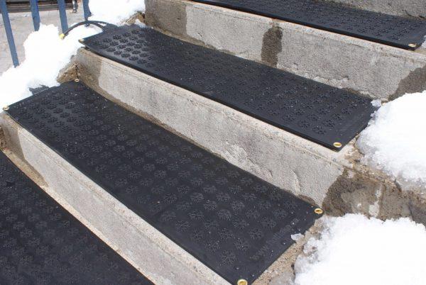 Couvre Marches 11 X 38 Kemf Inc Escalier Exterieur Escalier Marche Escalier