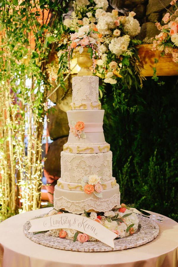 Colorfully Chic Memphis Wedding At The Zoo