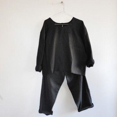 Blouse en lin noir boutonn e au dos et pantalon en tissu - Gris et lin ...