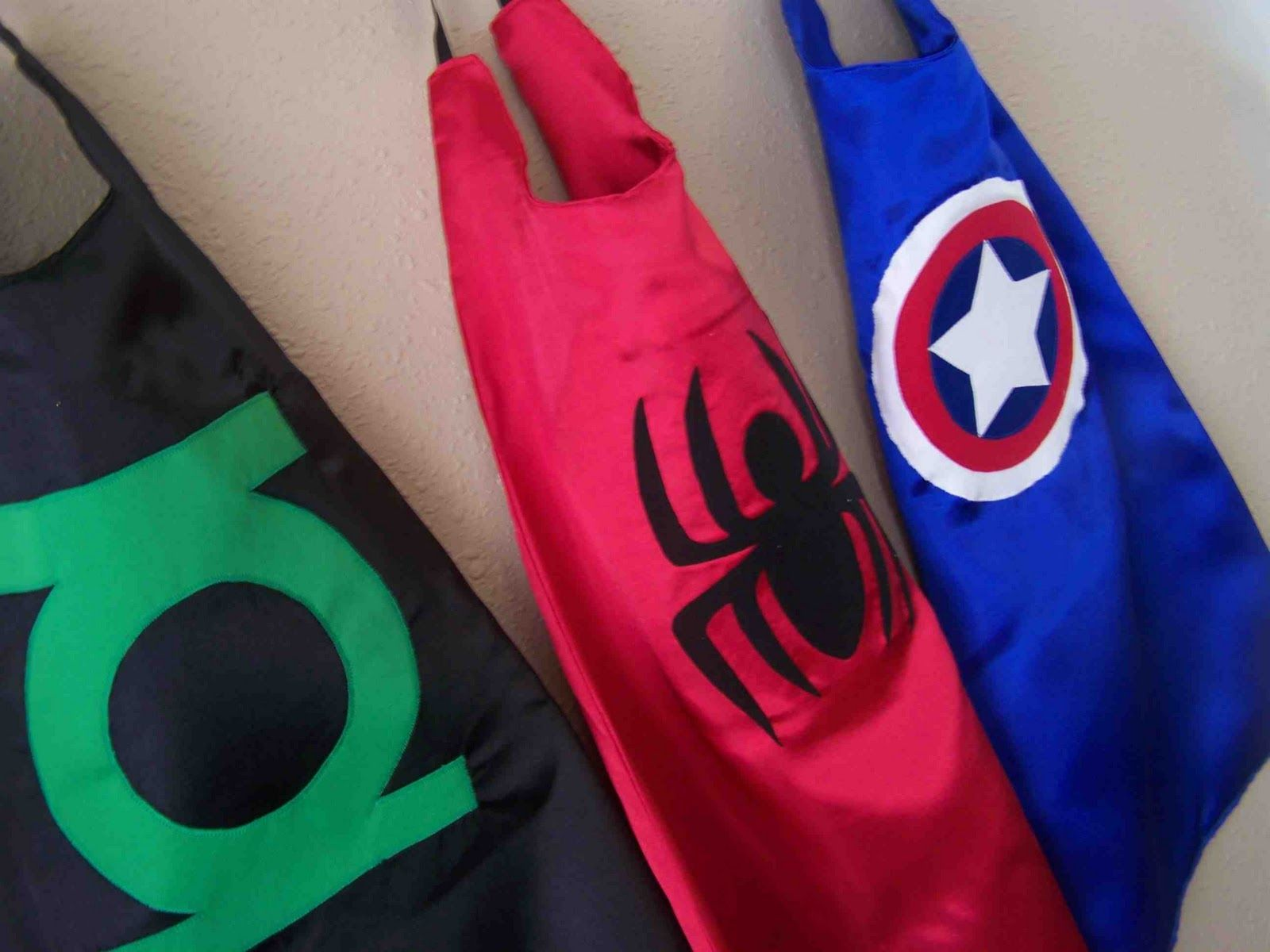 Made by Me. Shared with you.: Super Hero Capes