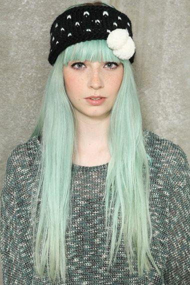 pastel turquoise hair blonde scene hair