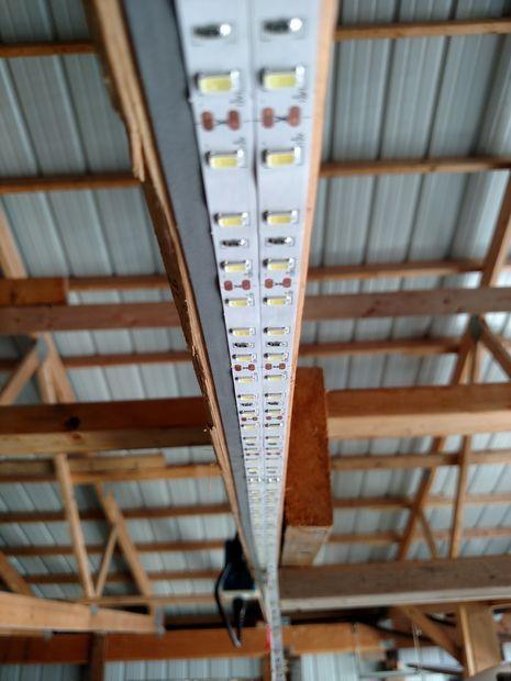 Inexpensive Garage Lights From LED Strips - Werkplaats