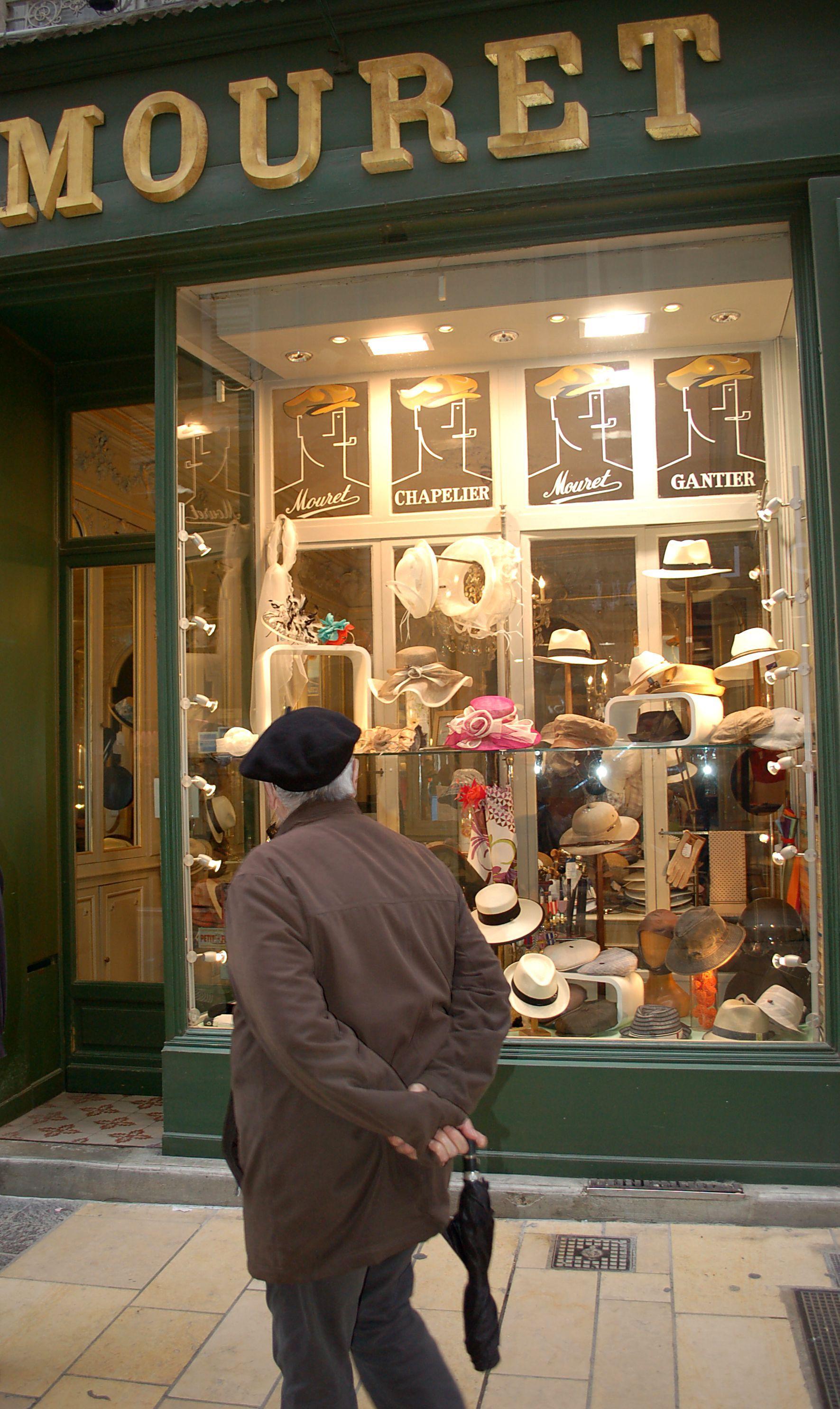 Hat Shop Avignon Hat Shop Shop Around Bakery Store Fronts