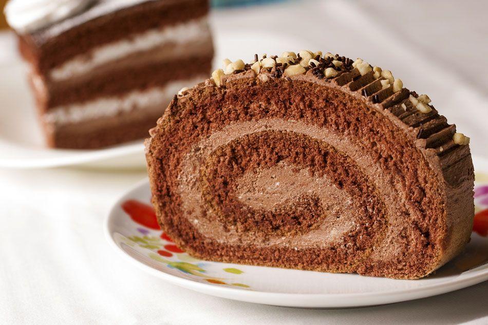 سويس رول بحشوة الشوكولاتة Recipe Tasty Dishes Food Desserts