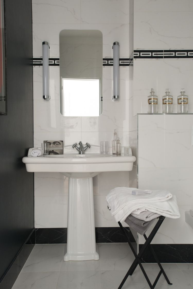 salle de bains i lavabo i eclairage art deco a r t d e c. Black Bedroom Furniture Sets. Home Design Ideas