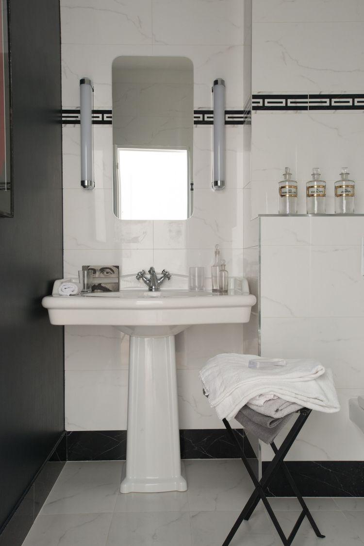 Salle de bains I Lavabo I Eclairage ART DECO  A R T D E C
