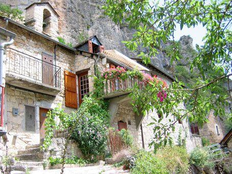Gite La Petite Maison A Pougnadoires Hameau Des Gorges Du Tarn Pres De Sainte Enimie Ce Gite De France 2 Epis Accueille Jusq Gite De France Gite Gorge Du Tarn